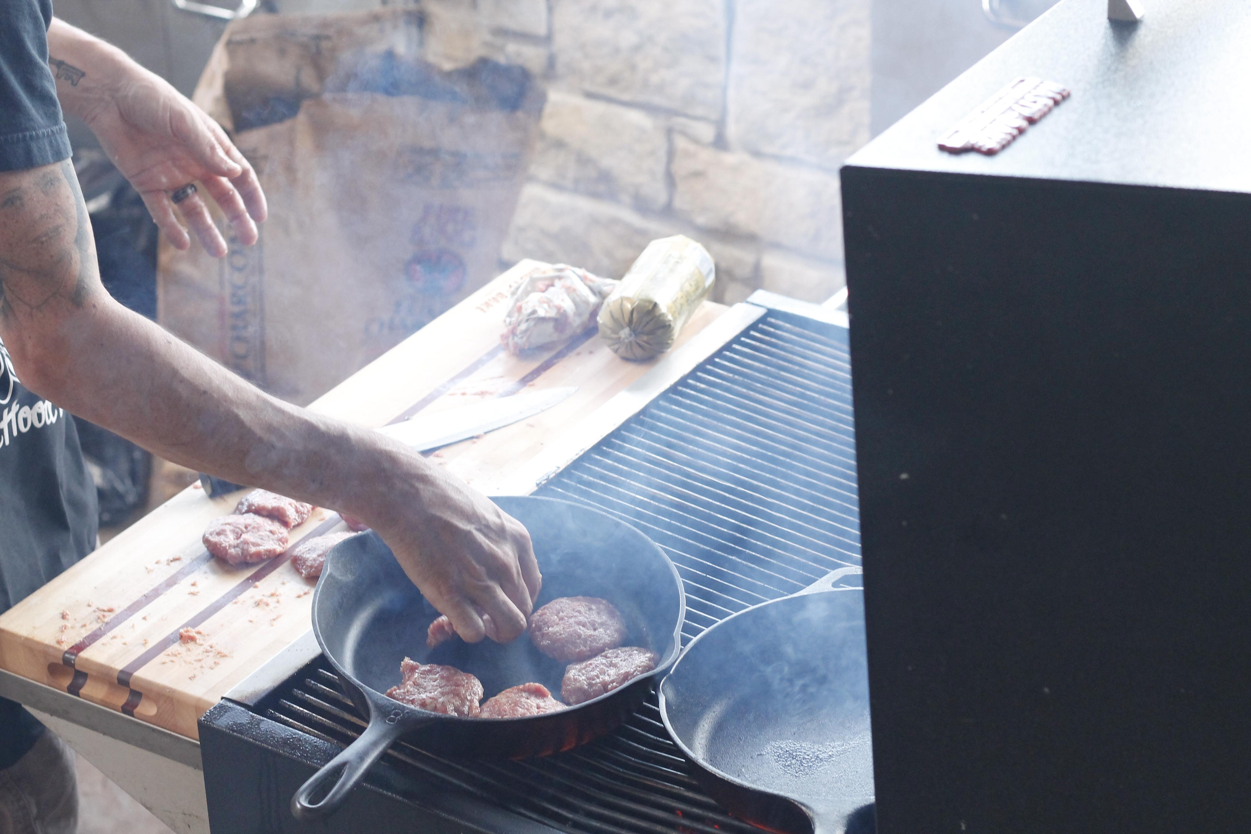 Tailgate Breakfast on the Grill! | Pit Buddies BBQ